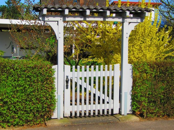 How To Build A Garden Fence Gate