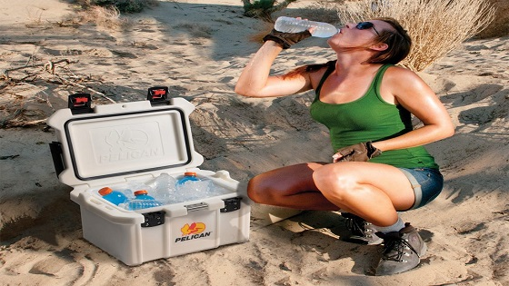 How does a cooler keep things cold?